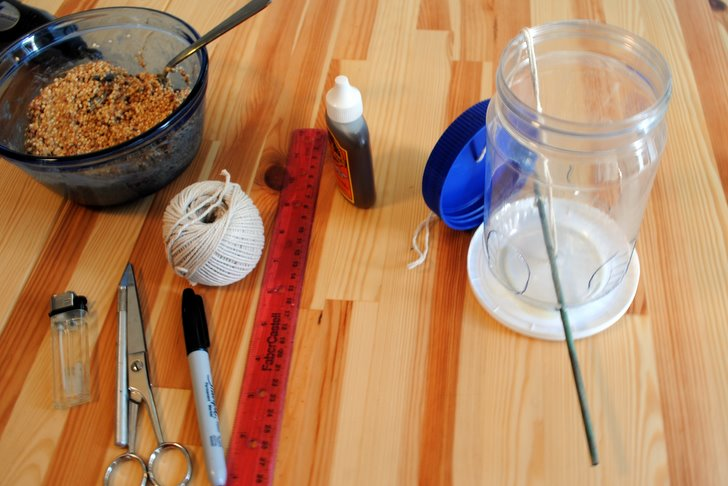 how to make bird feeder with waste material