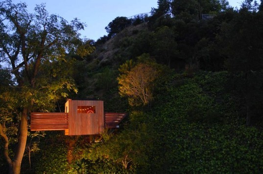 Dustin Feider, O2 Treehouse, tree house designs, 6 unique treehouse designs, green design, tree tops, sustainable design, eco design, tree top dwellings, recycled materials, FSC certified wood, bamboo,