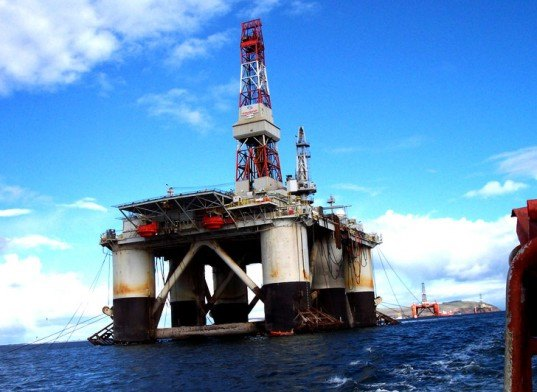 gulf of mexico, oil rig, offshore oil rig, offshore oil drilling, offshore oil well, offshore oil production, offshore oil risks, offshore oil rig risks, risks, environmental impact of offshore oil drilling, moratorium on offshore drilling, bp oil spill, gulf oil spill, deepwater horizon oil spill, risk of oil spill