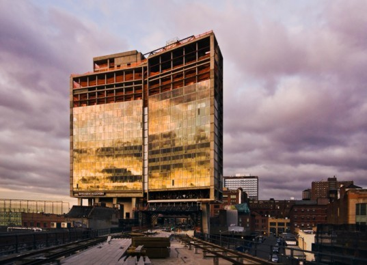 High Line and Standard Hotel 537x388 10 Must See Design Destinations Around The World