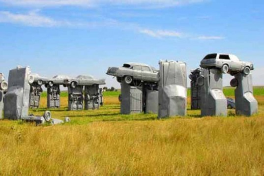 Jim Reinders, Stonhedge, Carhenge, Recycled Vehicles, Nebraska, grey cars