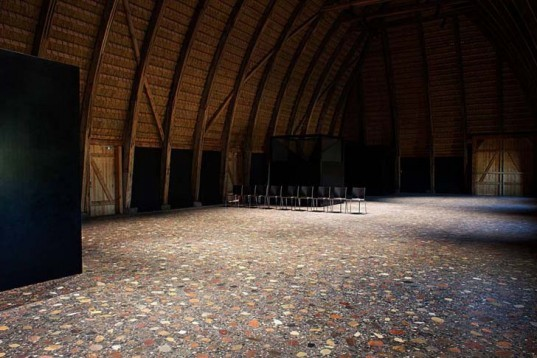 Danish design, barn, recycled barn, refurbished barn, Praksis, terrazzo floor, red-bricked wall, biodegradable roof, straw roof, thatched roof, flexible space, exhibitions space, curved wooden walls, denmark