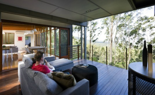 Storrs Road, Tim Stewart Architects, australia, queensland, eco home, green home