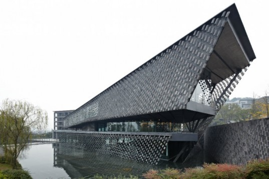 Xinjin Zhi Museum, Kengo Kuma and Associates, china, shade screen, local materials, eco museum, taoism