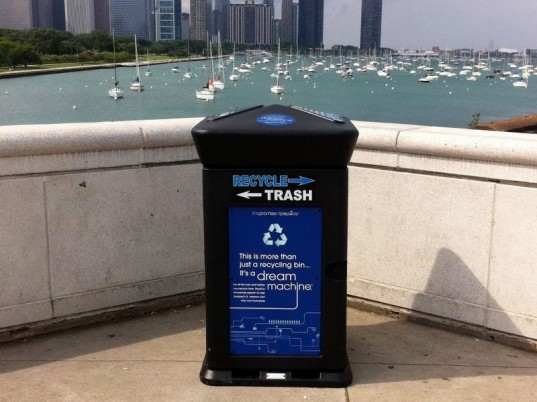 Chicago, politics, recycling, free green cans, joe moreno, alderman, Rahm Emmanuel, Mayor, 1st Ward, eco, green, sustainable
