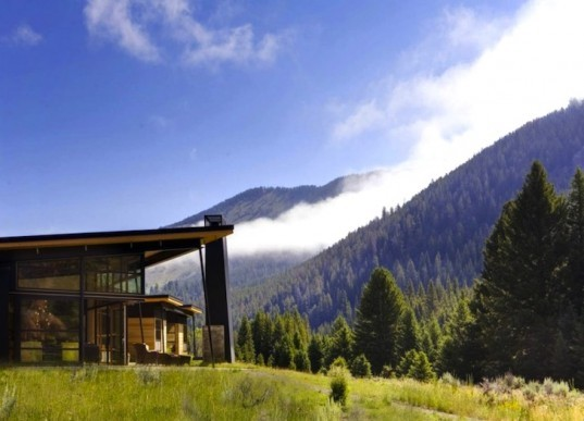 Balance Associates Architects, Big Sky, Montana, River Bank House, green design, sustainable design, eco-design, geothermal pumps, passive design, sustainability, solar orientation, insulation