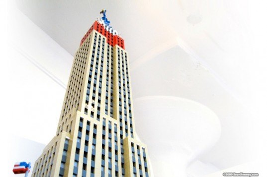 sean kenney, legos, lego empire state building, lego buildings, lego art, empire state building, sean kenney legos