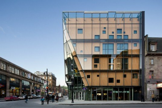 Quartier des Spectacles, AEDIFICA, Montreal, LE 2-22, eco office, high performance envelope, double walled facade
