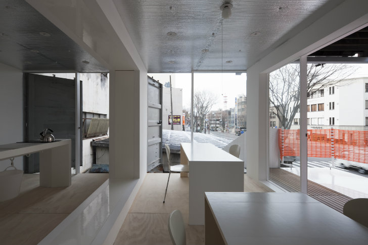 Stacked shipping container sugoroku office pops up in for Container habitable a vendre