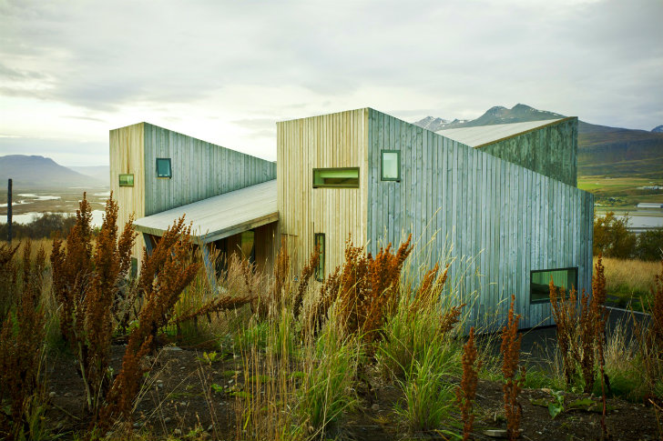 Villa Lola Is A Beautifully Modern Low Impact Home In Iceland Inhabitat Green Design