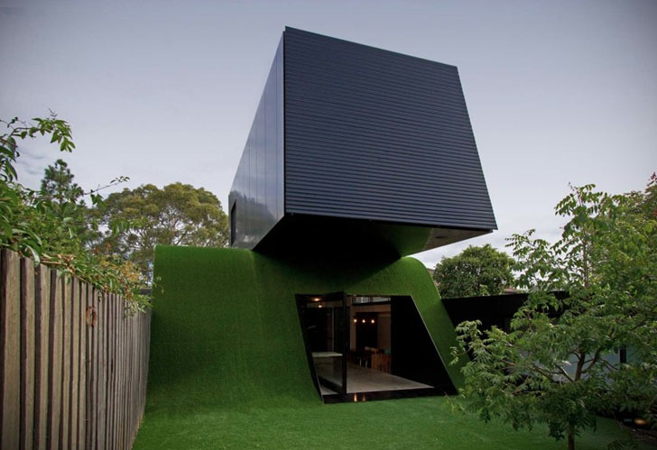 Andrew Maynard Renovates A Modern Melbourne Home With A Giant Grassy