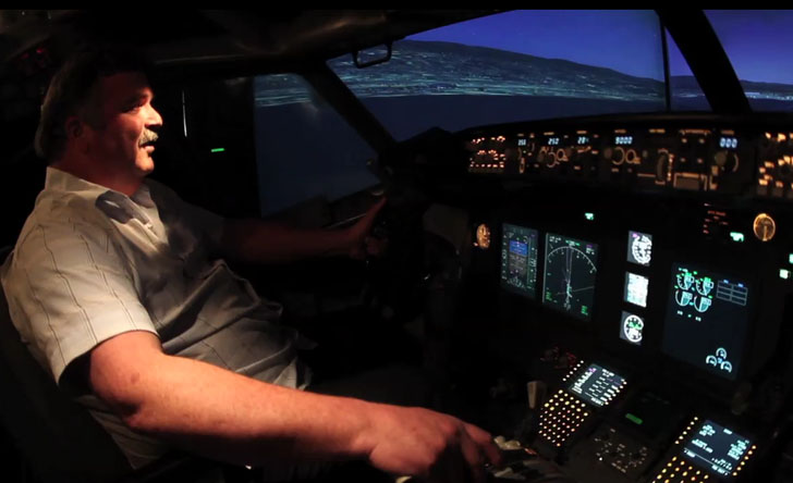 Boeing plane recycled into an garage flight simulator for Design your own house simulator