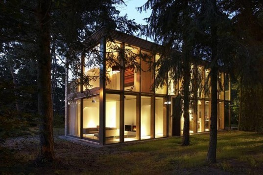 Ahlbrech Felix Scheidt Kasprush, Minimum House, Berlin, Energy-efficient, active energy, passive energy, Modular, modernist, pine forest, open-plan, Sustainable Building, Architecture, energy efficiency, Green Lighting