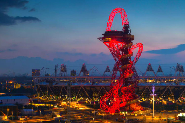 anish kapoor s recycled steel arcelormittal orbit tower provides