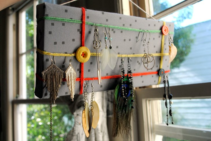 How to recycle a cardboard box into a diy earring holder design solutioingenieria Images