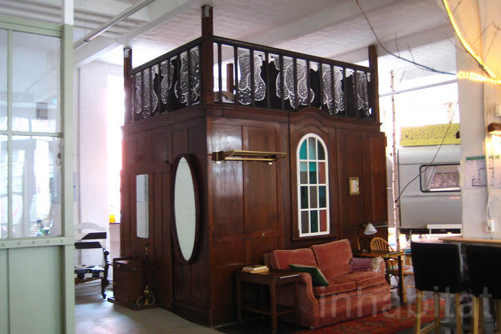 photos 1910 vacuum cleaner factory in berlin turned into a cool caravan hotel huttenpalast. Black Bedroom Furniture Sets. Home Design Ideas