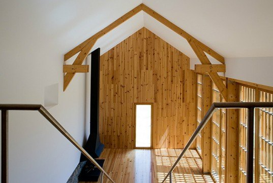 green design, eco design, sustainable design, wooden louvers, barn conversion, joao mendes ribeiro, Cortegaca, Portugal, adaptive reuse