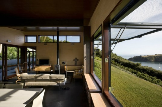 Owhanake Bay House, Strachan Group Architects, outdoor living, new zealand, eco home, green home,