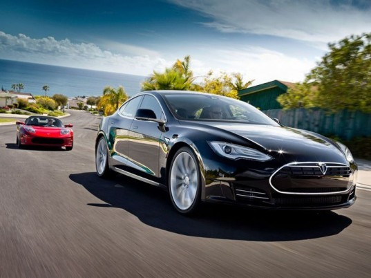 Tesla, Tesla Model S, electric sedan, Elon Musk, Tesla sedan, green car, green transportation, Tesla electric sedan