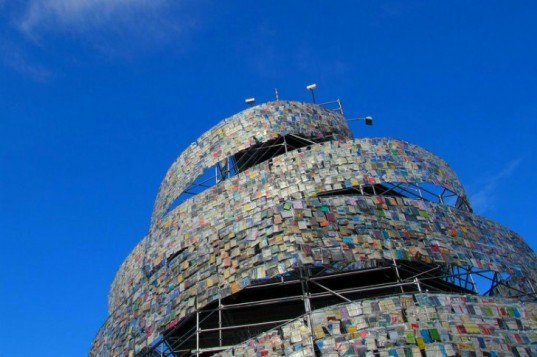 Top 6 Pop Up Libraries, library, pop up library, eco library, eco inspiration, tower of babel
