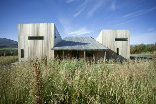 VillaLola, Arkis, green design, sustainable building, eco-friendly architecture, low-cost building, larch-wood design, natural architecture