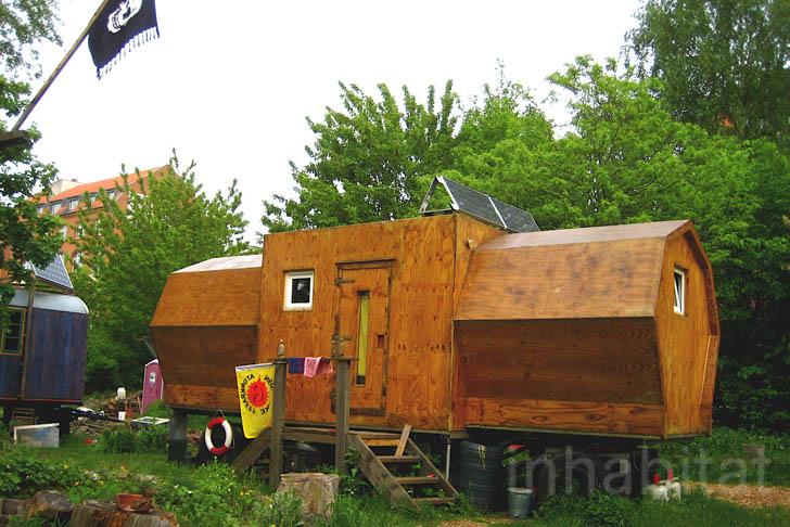 Wagendorf Lohmühle self-sustained caravan village Berlin