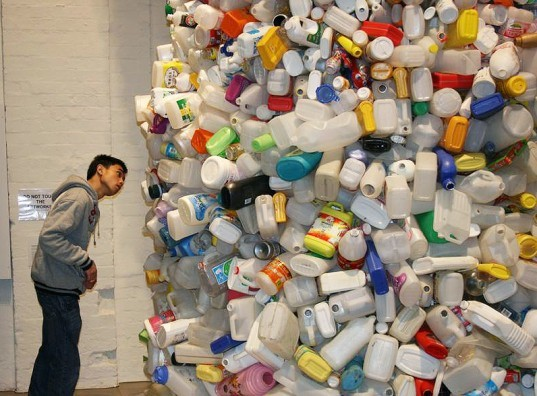 green design, eco design, sustainable design, recycle art, recycled plastic bottles, Thrown to the WInd, recycled plastic bottle tower, Wang Zhiyuan, Chinese artists, Beijing Artists