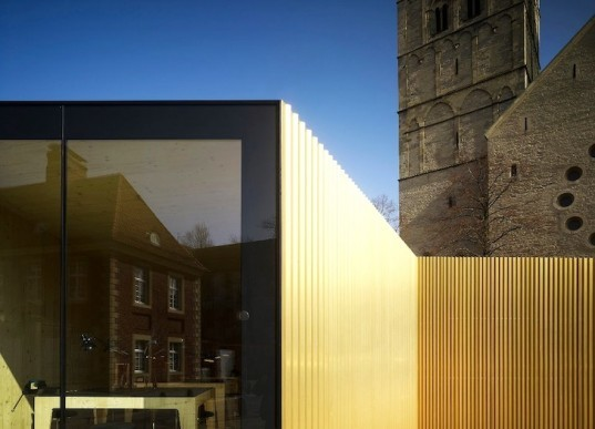 Modulorbeat, temporary construction, golden glory, bicycle capital of Germany, Muster, gilded pavilion, gold, urban design, green design, sustainable design, eco-design, Germany, temporary design, art, culture