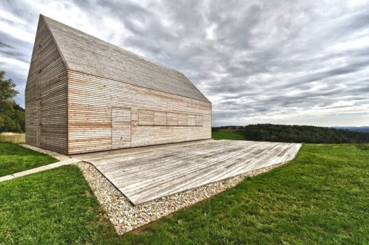 Judith Benzer Architektur, summer house, southern Burgenland, Austria, shutters, natural materials, wine cellar, minimalist, green design, sustainable design, eco-design, daylighting