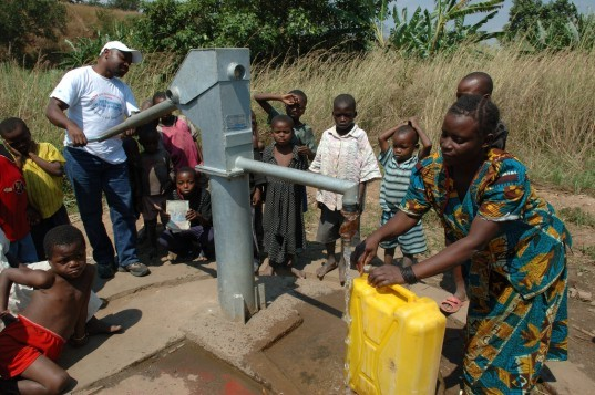 smart water pumps, mobile phone technology, university of oxford, data transmitters, rural communities, Journal of Hydroinformatics, Oxford's School for Geography and the Environment, UK Department of International Development