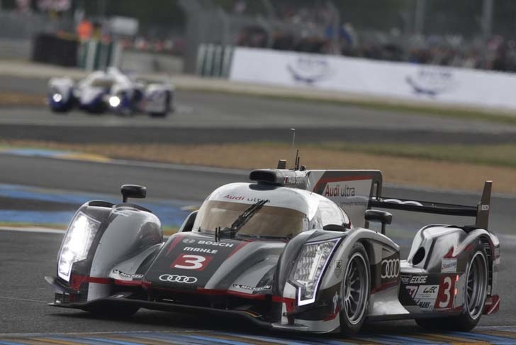audi r18 e tron quattro becomes the first hybrid to win. Black Bedroom Furniture Sets. Home Design Ideas
