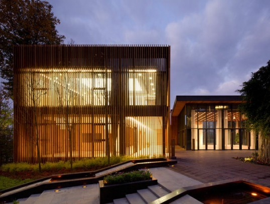 bamboo deck, China green building, eco resort, natural cooling, rainwater collection, greywater,