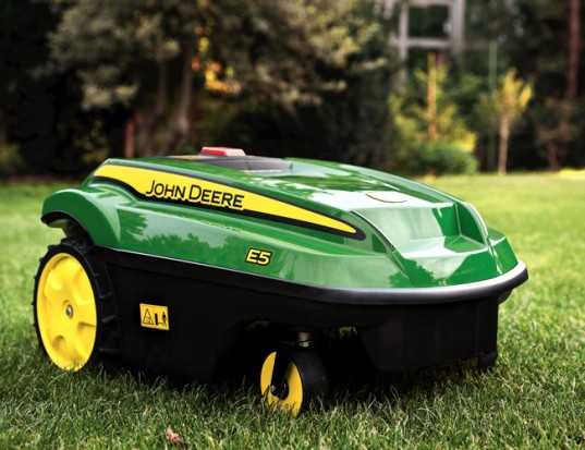 john deere, John Deere Tango E5, automatic electric lawnmower, John Deere Tango E5 electric lawnmower, electric products, battery powered lawnmower, John Deere Tango, green products,