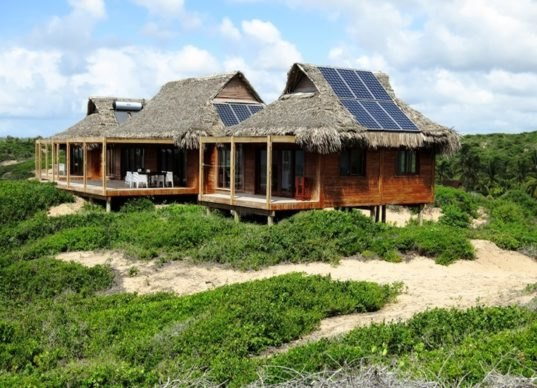 Awe Inspiring Thatched Mozambique Home Is Draped In Solar