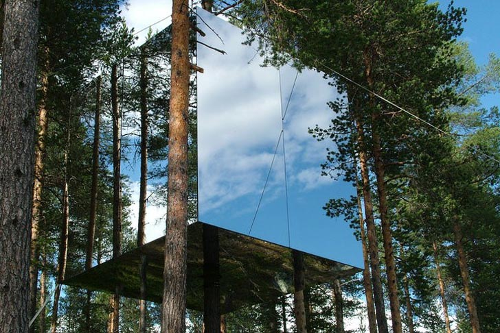 sweden 39 s treehotel now selling stunning mirrorcube treehouses inhabitat green design. Black Bedroom Furniture Sets. Home Design Ideas