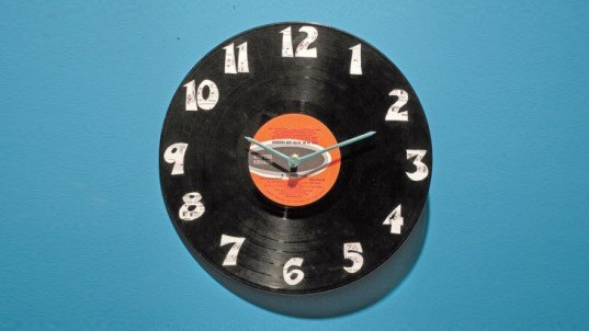 Recycled Record Clock, DIY Father's Day Gifts, diy gifts, diy gifts for dad, green gifts for dad, green father's day gifts, eco friendly father's day gifts, diy gift ideas, make it yourself gifts, recycled gifts, green gifts, last minute fathers day gifts, fathers day gifts
