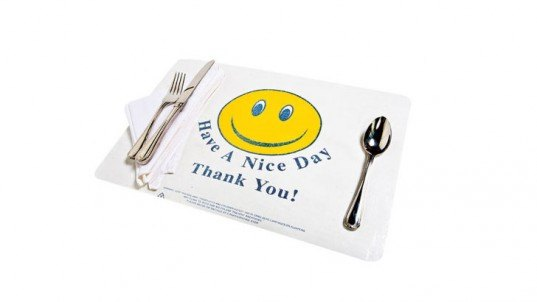 Plastic Bag Placemat , DIY Father's Day Gifts, diy gifts, diy gifts for dad, green gifts for dad, green father's day gifts, eco friendly father's day gifts, diy gift ideas, make it yourself gifts, recycled gifts, green gifts, last minute fathers day gifts, fathers day gifts