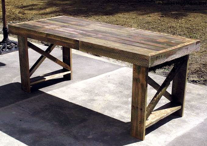 Three Unused Shipping Pallets Get A New Lease On Life As Dining Table