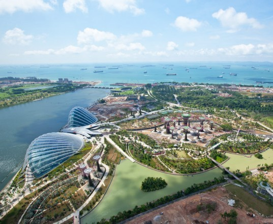 gardens by the bay, supertrees, singapore, grant associates, vertical gardening, solar technology, bay south garden, biofuels, photovoltaics, solar, sustainable architecture, green architecture,