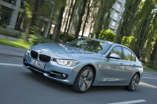 BMW, BMW 3 Series, BMW ActiveHybrid 3, BMW hybrid, hybrid car, hybrid sports sedan, green transportation, lithium-ion battery, green car, BMW ActiveHybrid