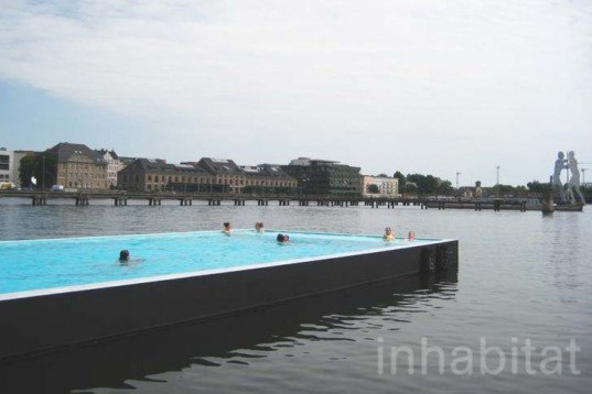 Arena Badeschiff, berlin, spree river, floating swimming pool, AMP Arquitectos, Wilk Salinas, Thomas Freiwald, Susanne Lorenz, Architecture, Water Issues, Landscape Architecture