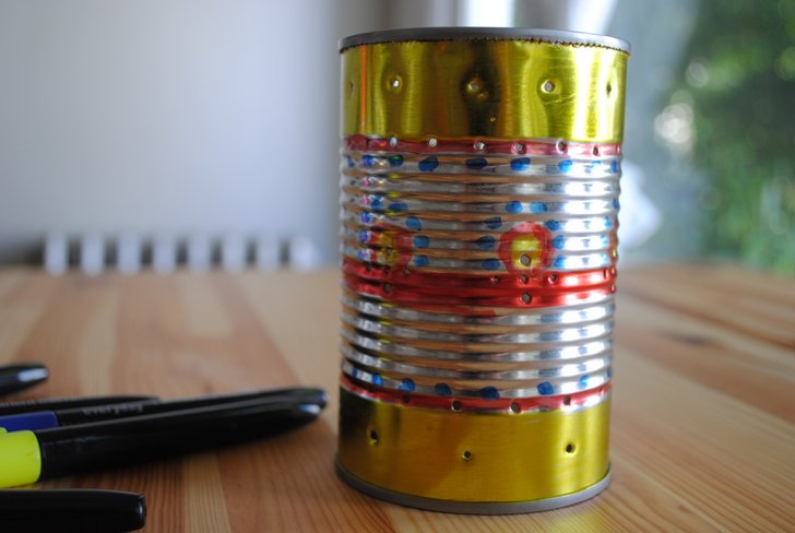 How to recycle a tin can into a gorgeous outdoor lantern for Can you recycle cookie tins