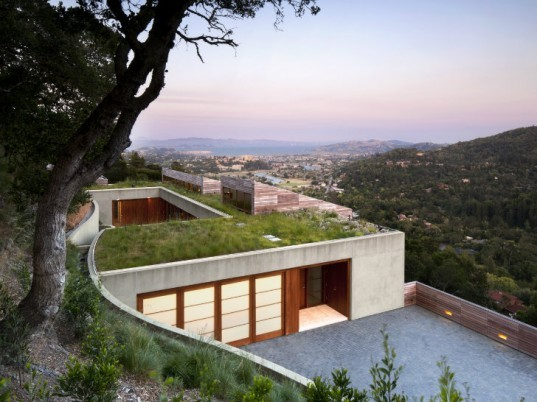 Kentfield Hillside Residence, Turnbull Griffin Haesloop, green roof, green home, eco home, living roof, sustainable home, bay area