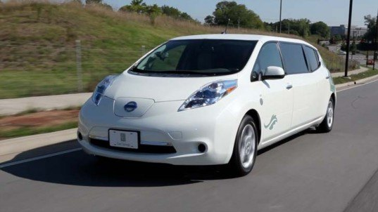 nissan, nissan leaf, nissan leaf limo, electric car, green limousine, electric limousine, Embassy Suites, nissan electric car, green car, automotive, green transportation
