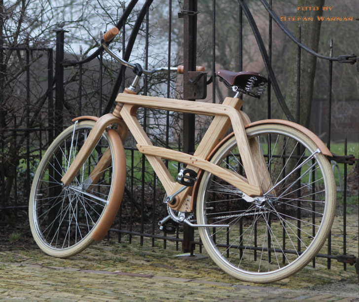 how to make a bike stand out of wood