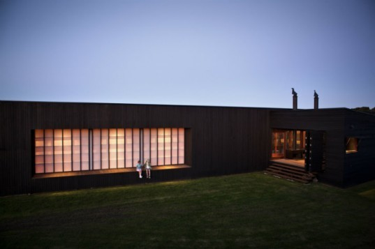 Tutukaka House, Crosson Clarke Carnachan, vacation home, beach home, eco home, daylighting, moveable shutters, new zealand
