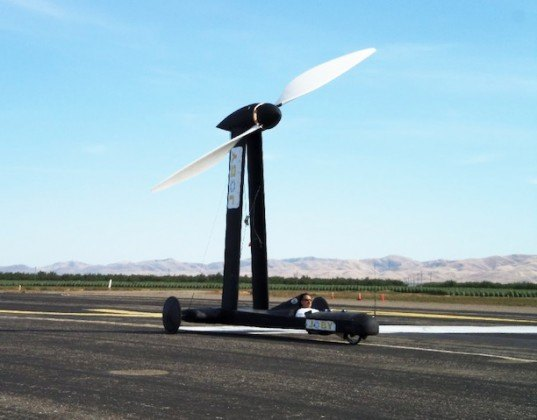 Rick Cavallaro, Blackbird, wind-powered car, wind power, wind energy, green transportation, green car, DDWFTTW