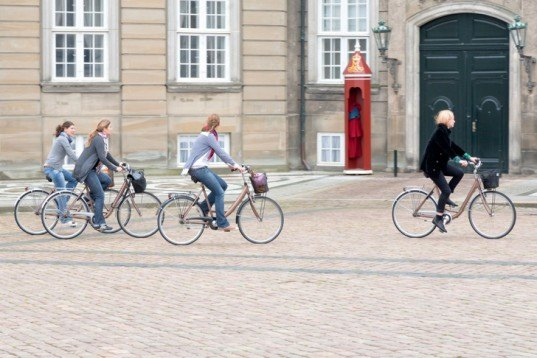 denmark cycle, bicycle path, bicycle commute, bike superhighway, carbon emissions