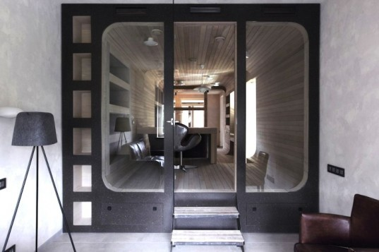 Peter Kostelov, natural light, daylighting, oak tube, Russia, Moscow, natural materials, timber, green design, sustainable design, green renovation, sustainable renovation