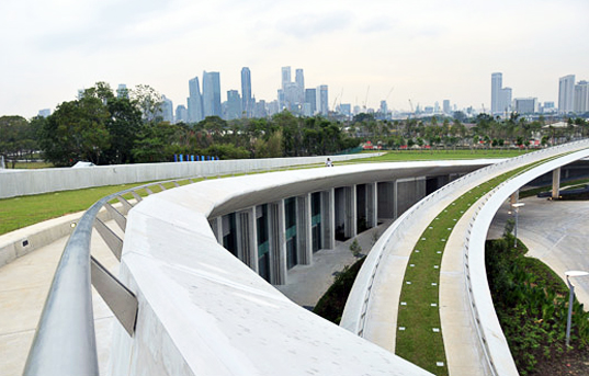 marina barrage, singapore, green roof, sustainable architecture, green architecture, green building, dam, flooding, sustainable design, green design, water reclamation, reservoir